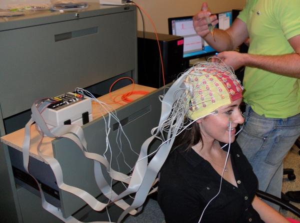 600 x 447 jpeg 95kB, Brain-imaging in an immersive motion simulator